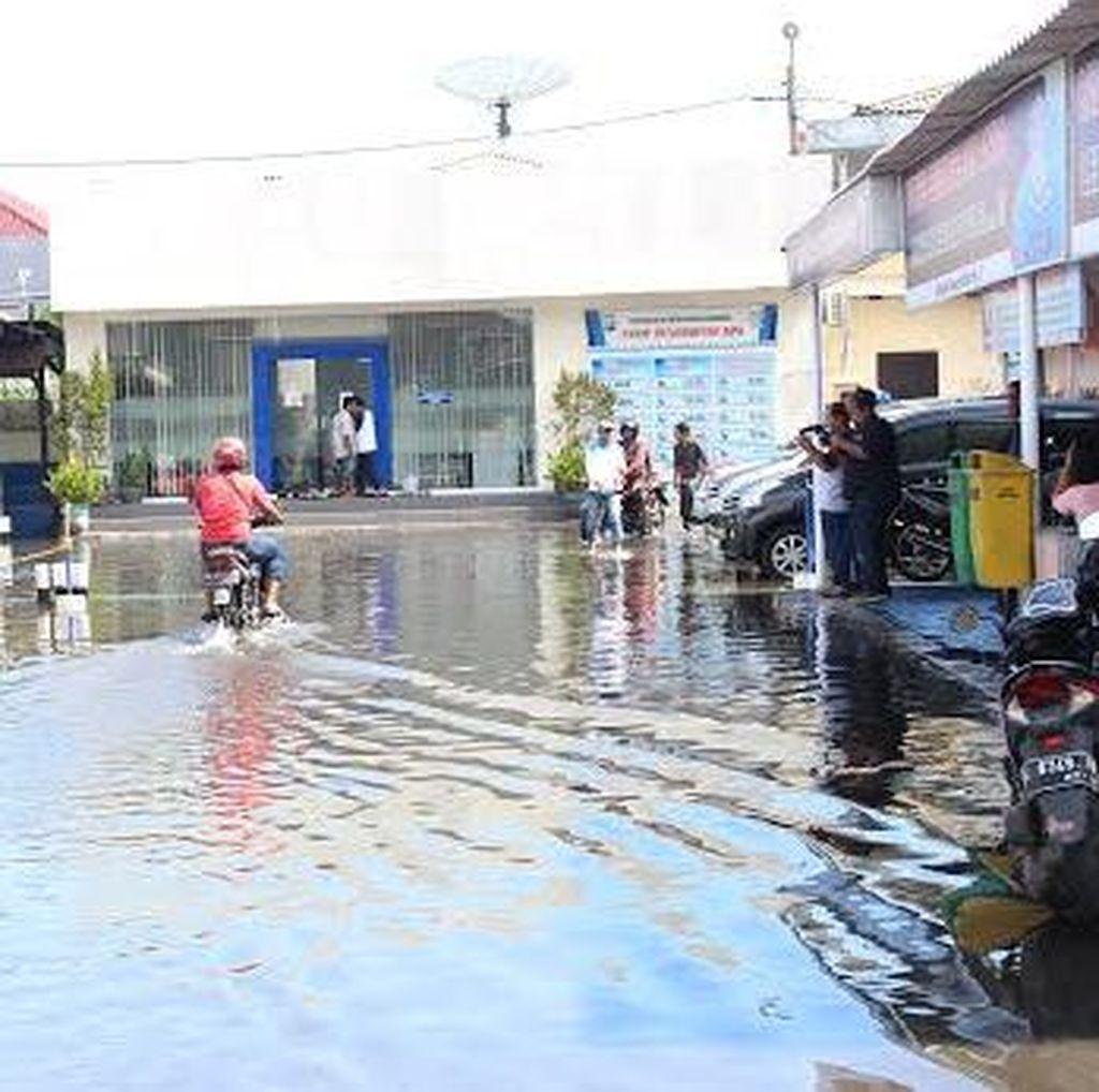 Banjir, Ujian SIM di Polres Sidoarjo Ditiadakan
