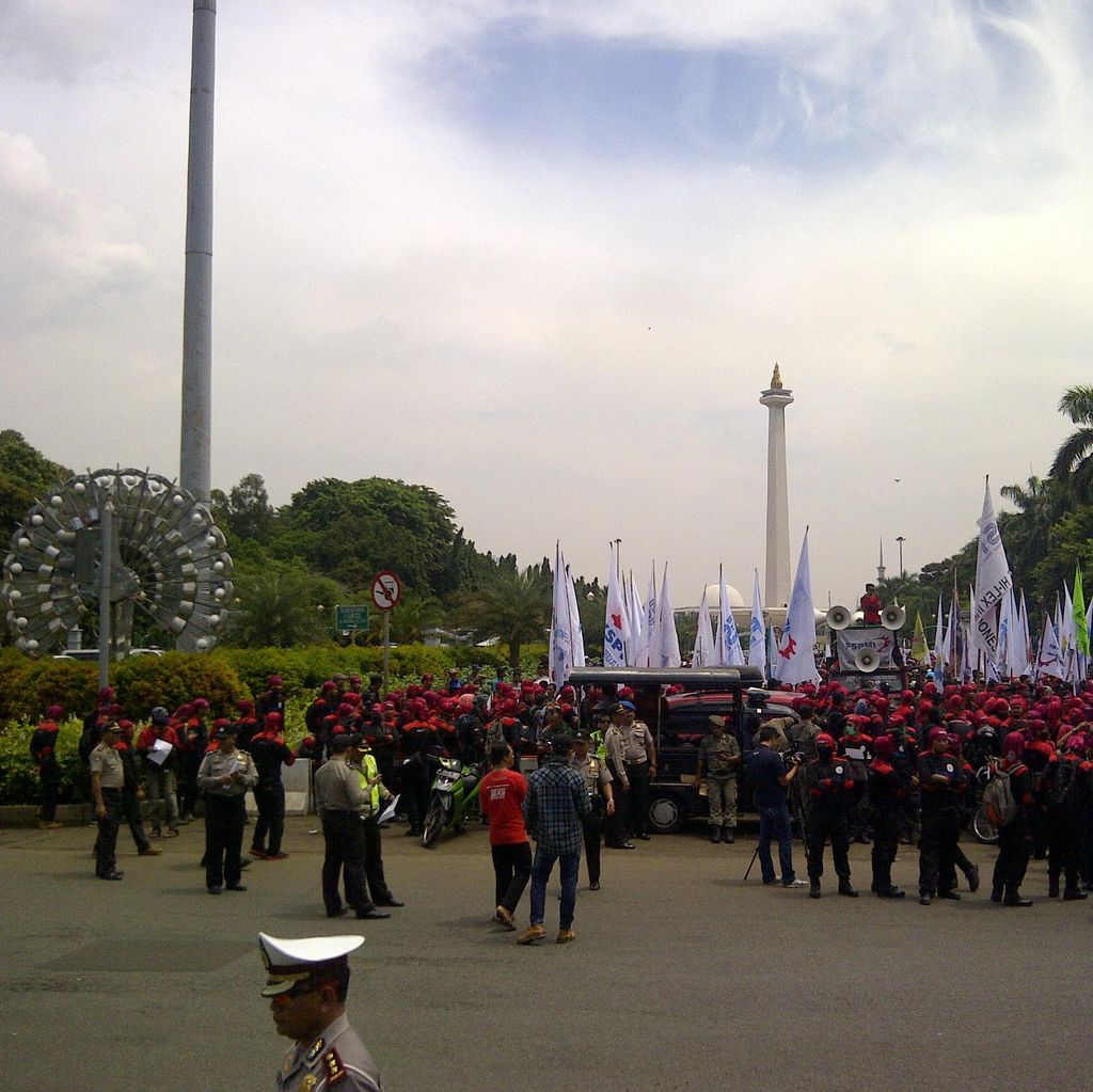Ratusan Buruh Mulai Berkumpul di Patung Kuda, Tunggu Teman untuk Demo Istana