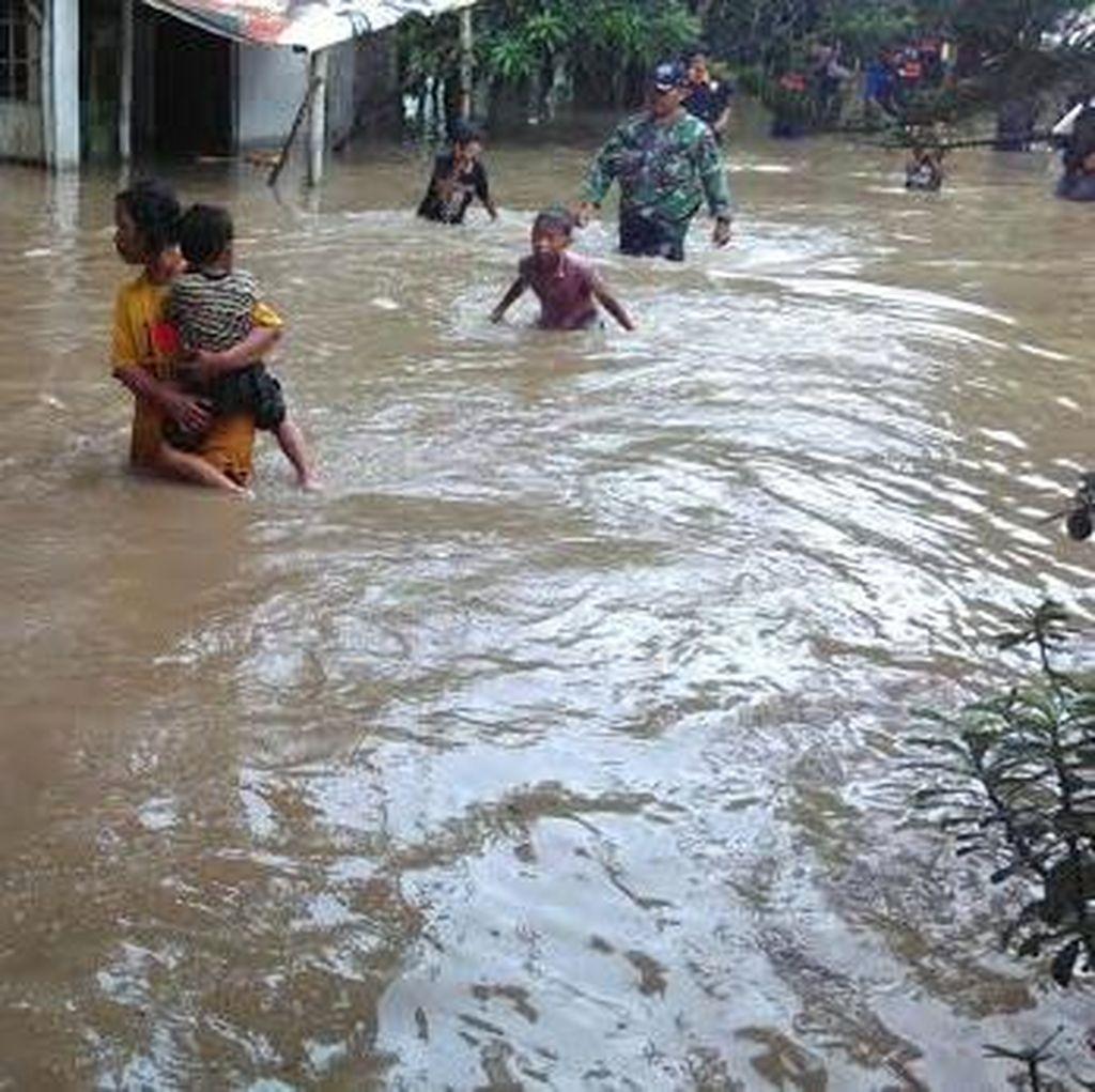 Banjir Juga Merendam Puluhan Rumah di Jombang