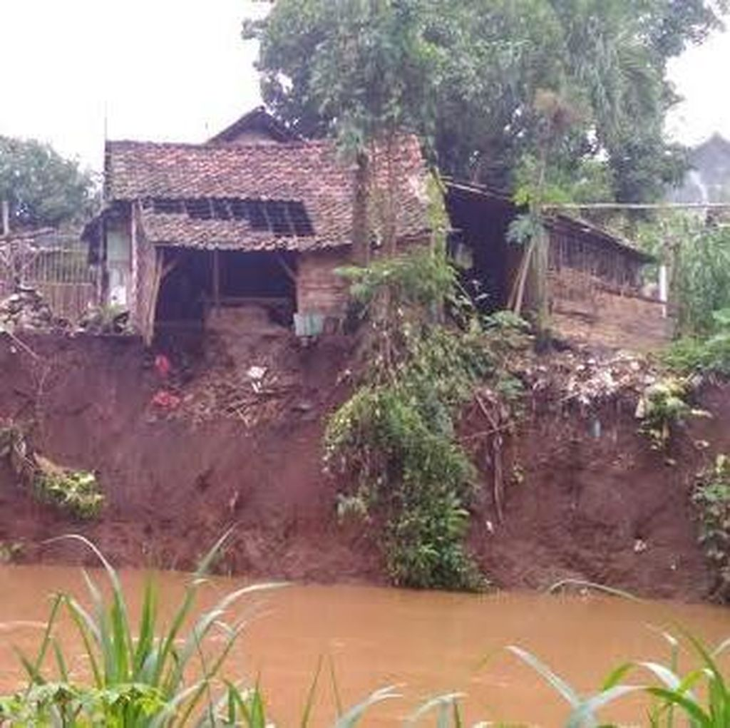 Waspadai Daerah Longsor di Jawa Timur