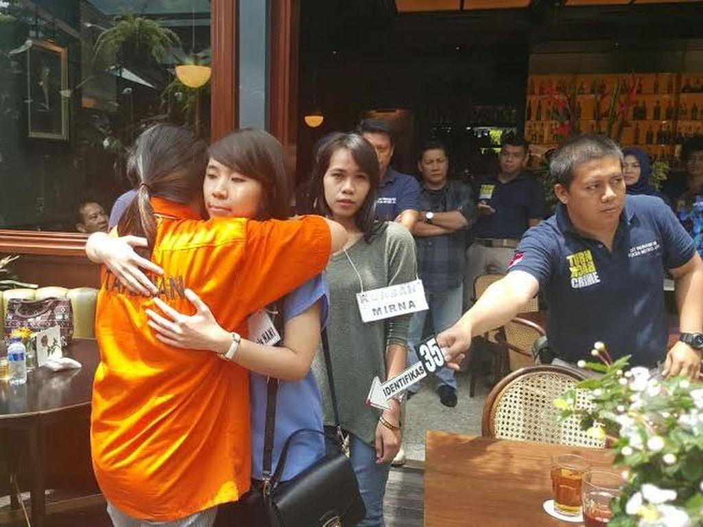 Pengacara Jessica: Hani Peragakan Saat Cicipi Kopi Mirna, Tapi Tak Mati