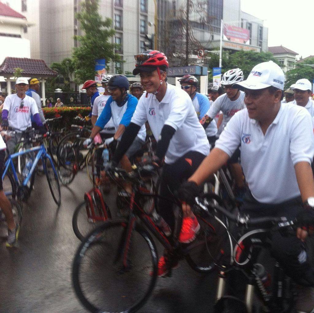 Ganjar Pranowo dan Bos BTN Sepeda Santai di Semarang