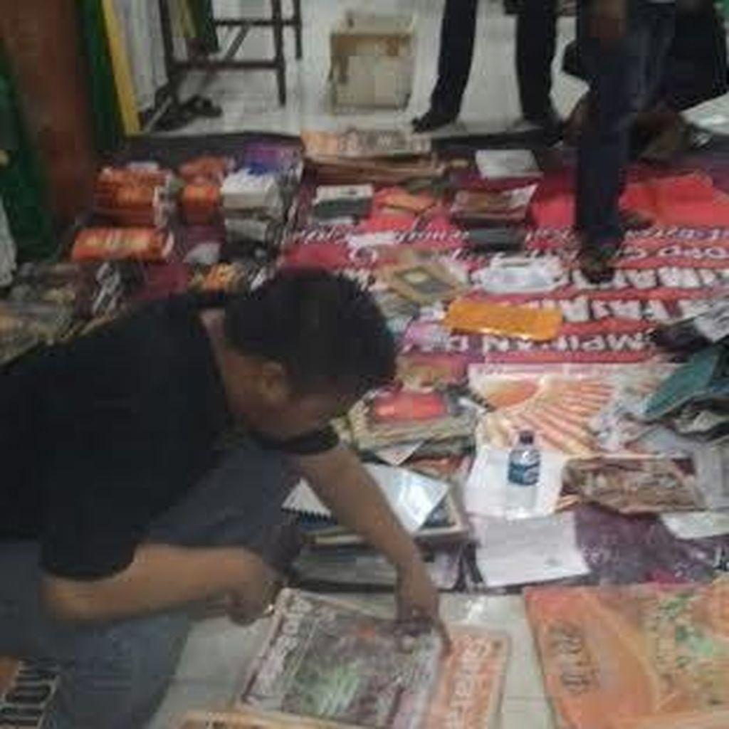 Lagi, Buku Mussadeq dan Timbunan Barang Ditemukan di Kamp Gafatar