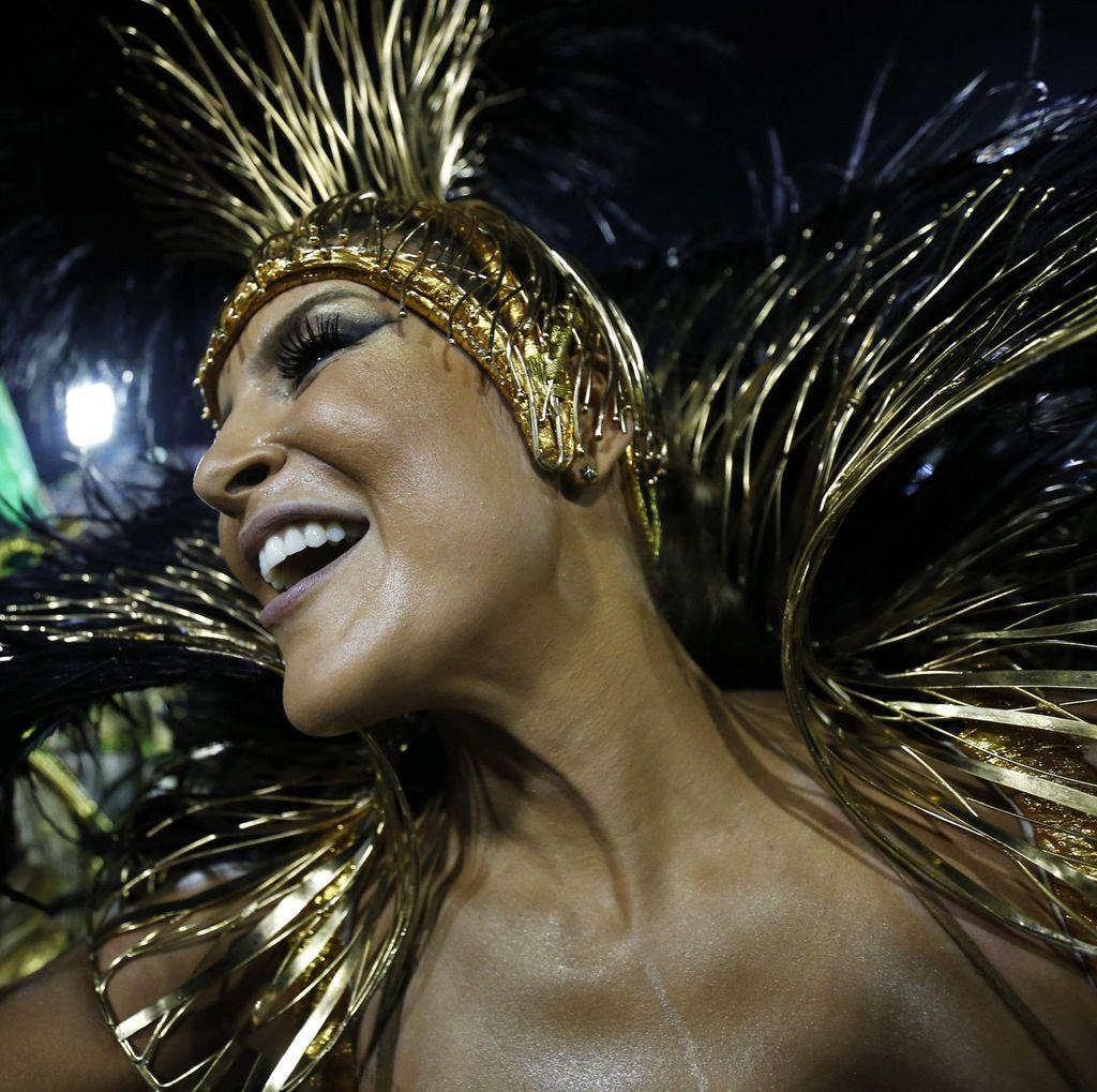 Gempita Warna di Festival Rio Brazil