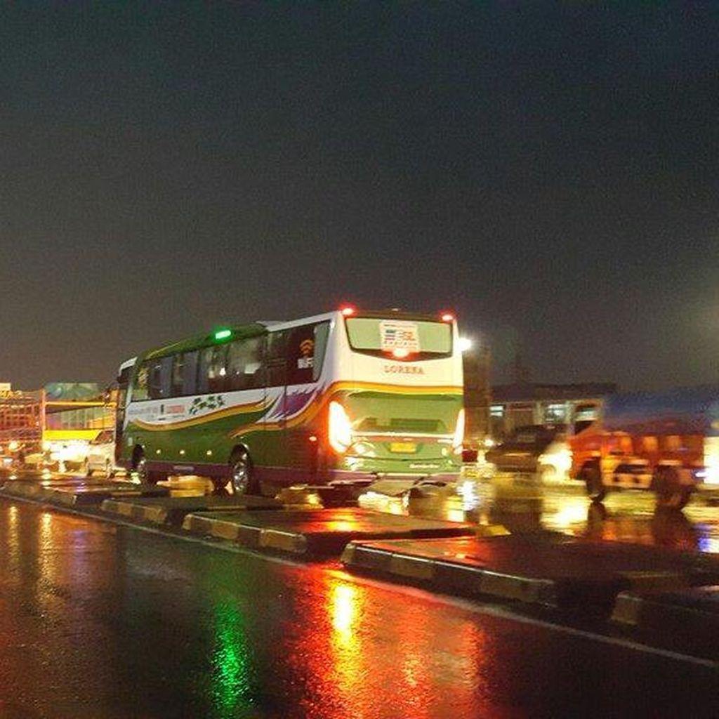 Ada Perbaikan Jalan, Tol Cipali ke Jakarta Macet 8 km