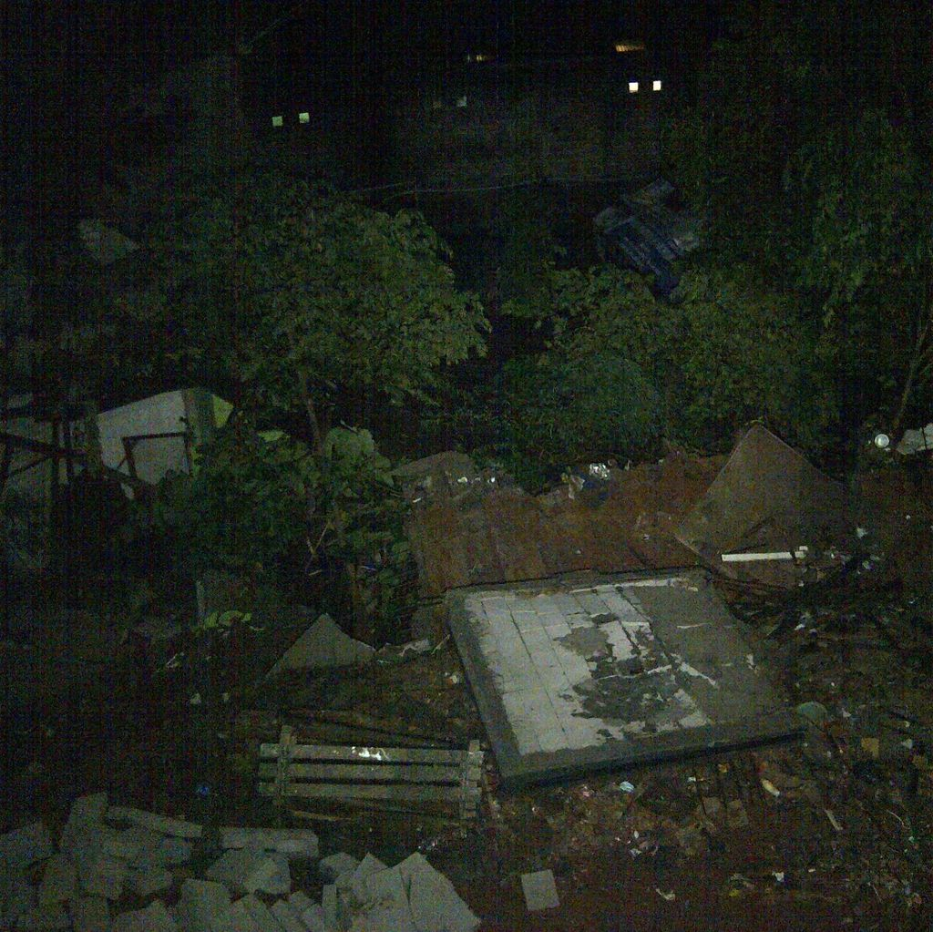 Rumah Tertimbun Longsoran di Ciganjur, 2 Orang Terluka