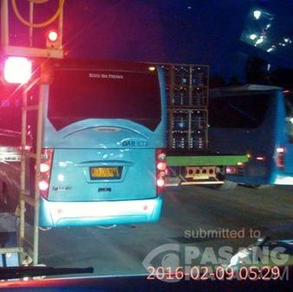 Tol Jagorawi Macet, Laju Kendaraan Maksimal 30 Km/Jam