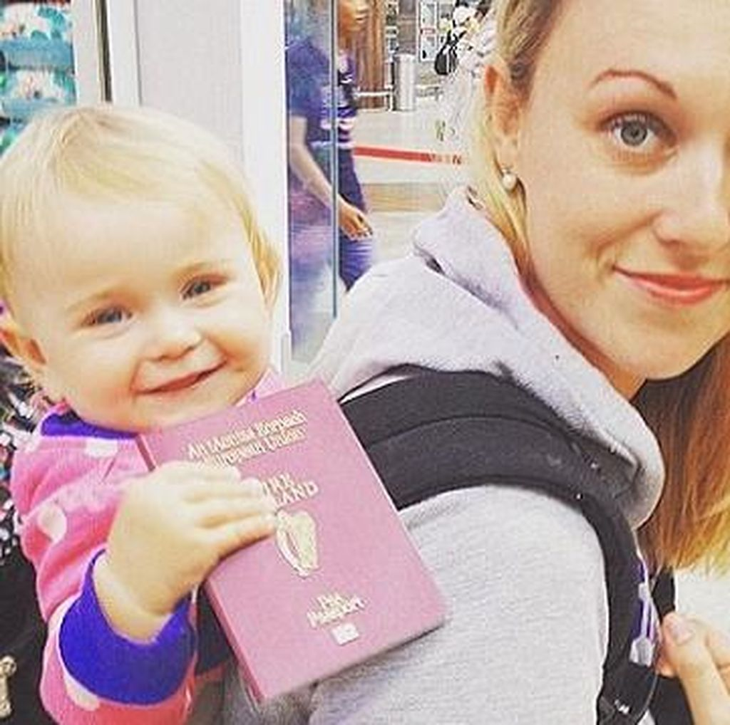 Cuti Melahirkan, Traveler Ini Malah Keliling Dunia Bawa Bayinya