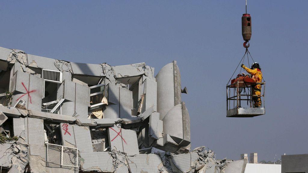 Menlu: 10 WNI Luka Ringan Akibat Gempa di Taiwan, Tak Ada Korban Jiwa