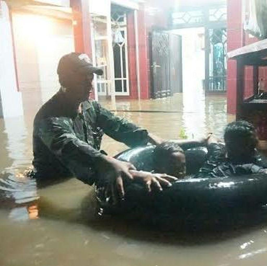 Ratusan Rumah Terendam Banjir Setinggi 1 Meter, Puluhan Orang Mengungsi