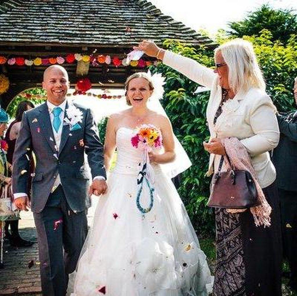 Wanita Ini Habiskan 8 Bulan Demi Buat Sendiri Dekorasi Pesta Pernikahan