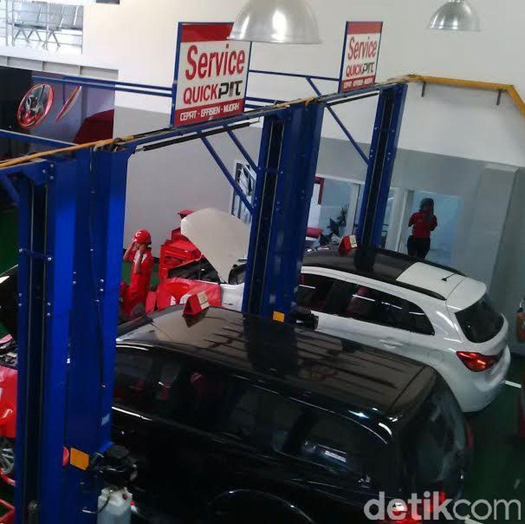 Mitsubishi Resmikan Diler Mobil Penumpang di Palembang