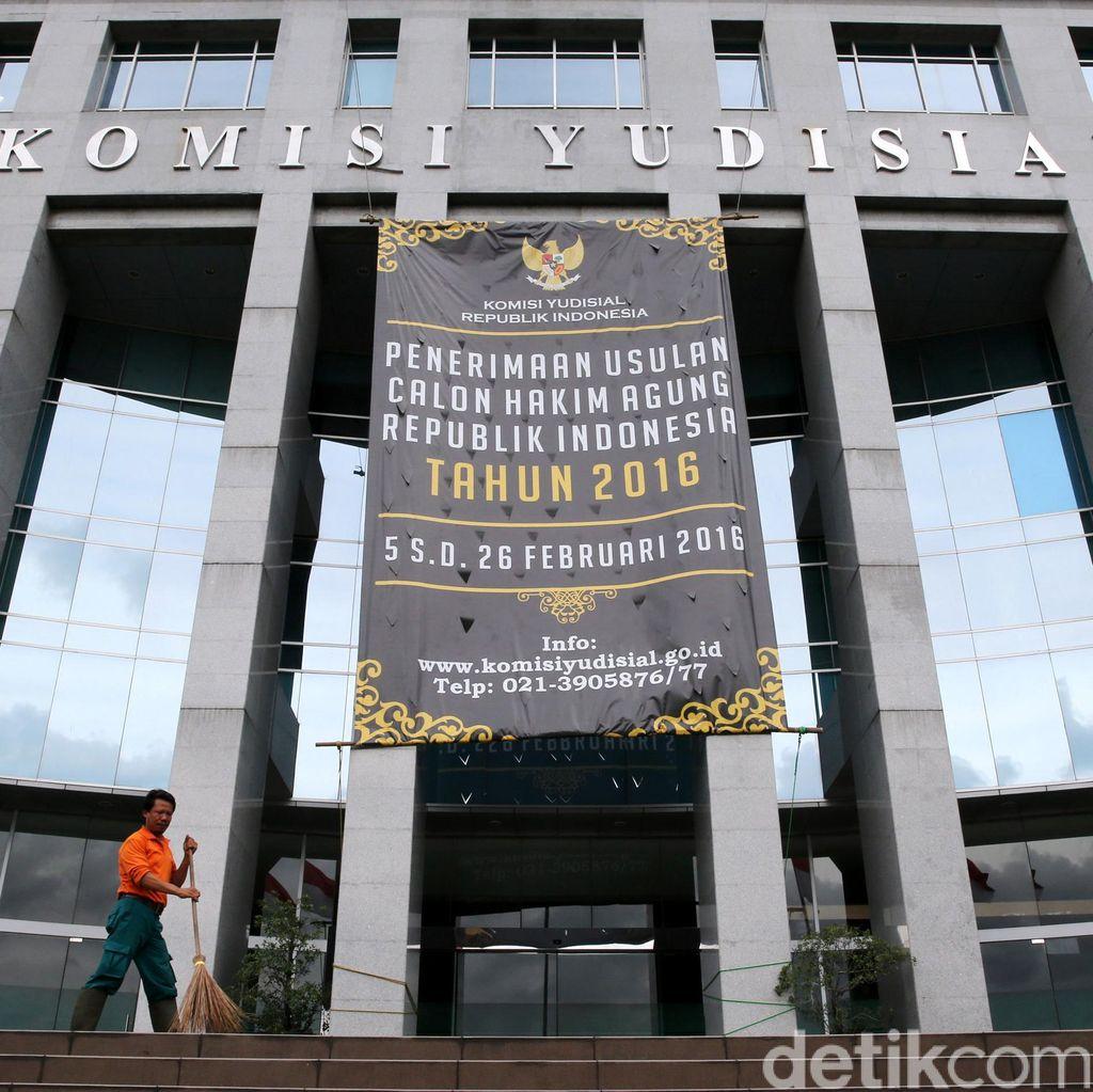 Pejabat MA Ditangkap KPK, KY: Kepercayaan Publik Semakin Tergerus