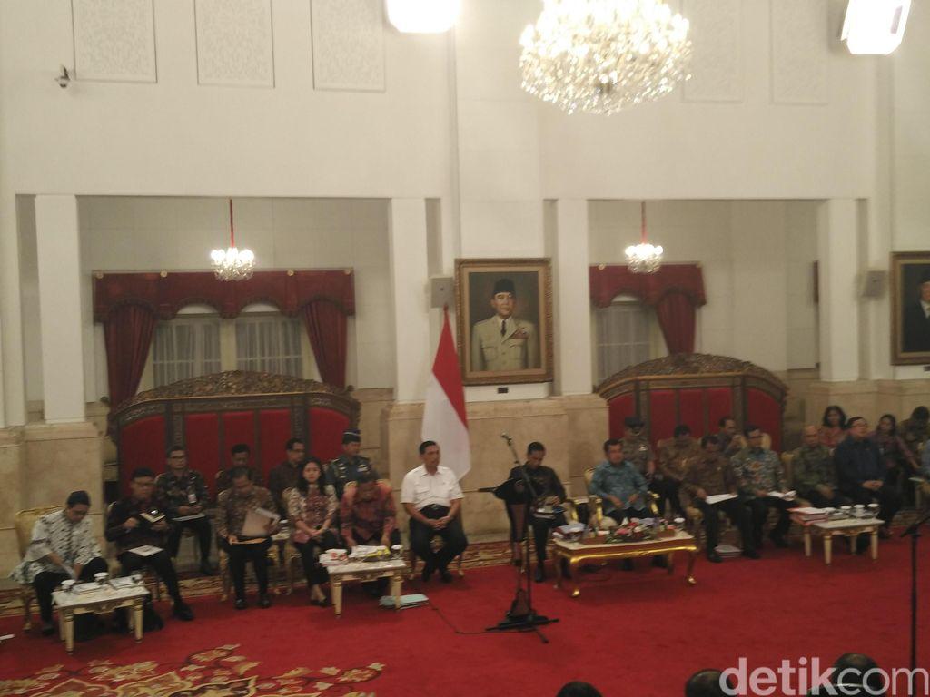 Pesan Jokowi ke Menteri: APBN Itu Terbatas, Belanjakan dengan Wise