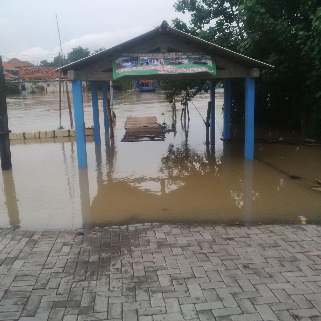 Sungai Berantas Meluap, Rumah Warga di Pinggir Sungai Kebanjiran