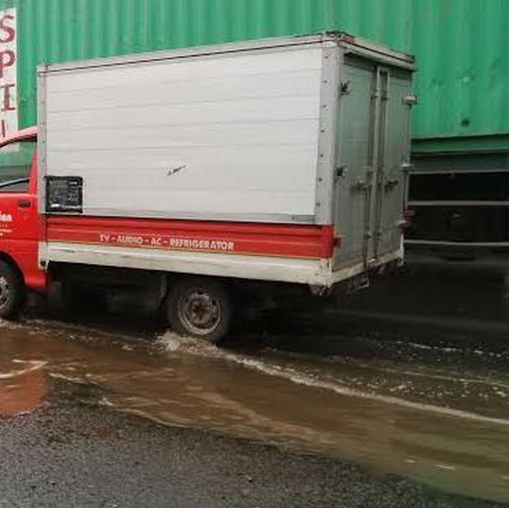 Jalan Kalianak Rusak Parah, Polisi Batasi Jam Operasional Truk