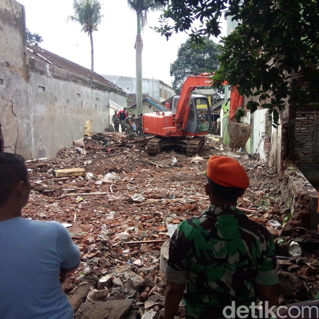 Evakuasi Selesai, Rumah Mujianto Kini Rata dengan Tanah