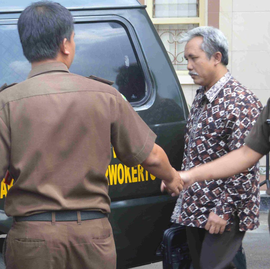 PK Ditolak, Eks Rektor Unsoed Tetap Dibui 4 Tahun karena Korupsi