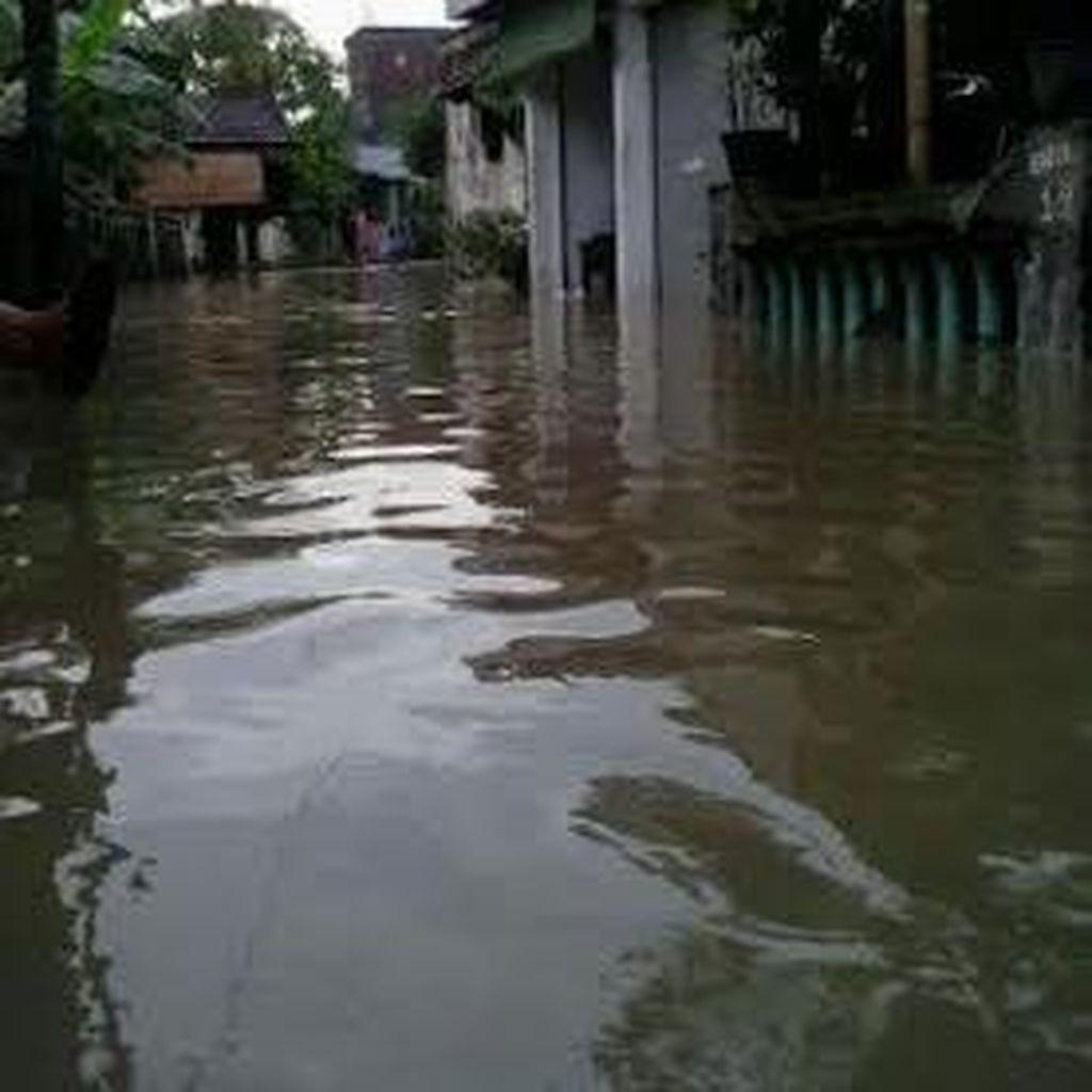 Empat Desa di Driyorejo Banjir Akibat Sungai Berantas Meluap