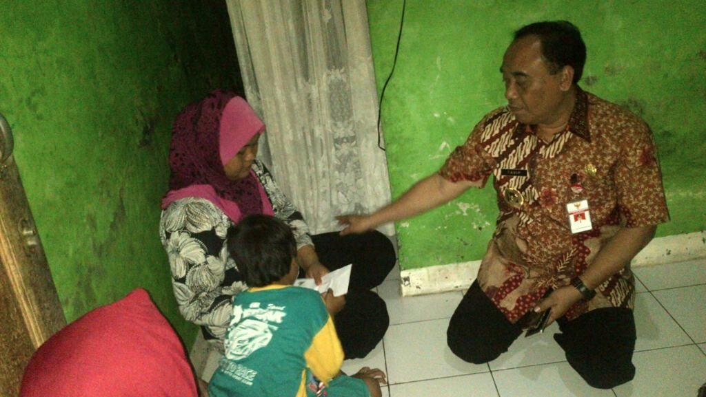 Pemkot Semarang Gratiskan Biaya Berobat Ibu Bocah Penjual Makaroni Keliling