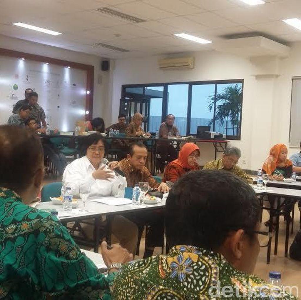 Menteri Siti Tinjau Pabrik Pengolahan Limbah Beracun di Cileungsi