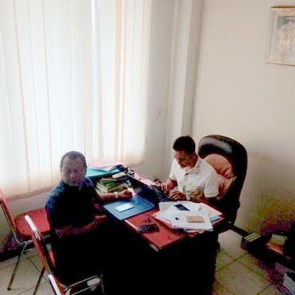 Diperiksa 2 Jam di Kejari Surabaya, Pjs Bupati Sidoarjo Bungkam