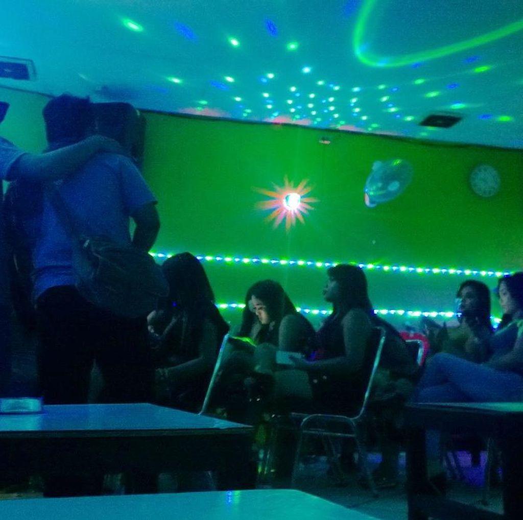 Kalijodo yang Akan Digusur Ahok: Alkohol dan Etalase Manusia di Keremangan