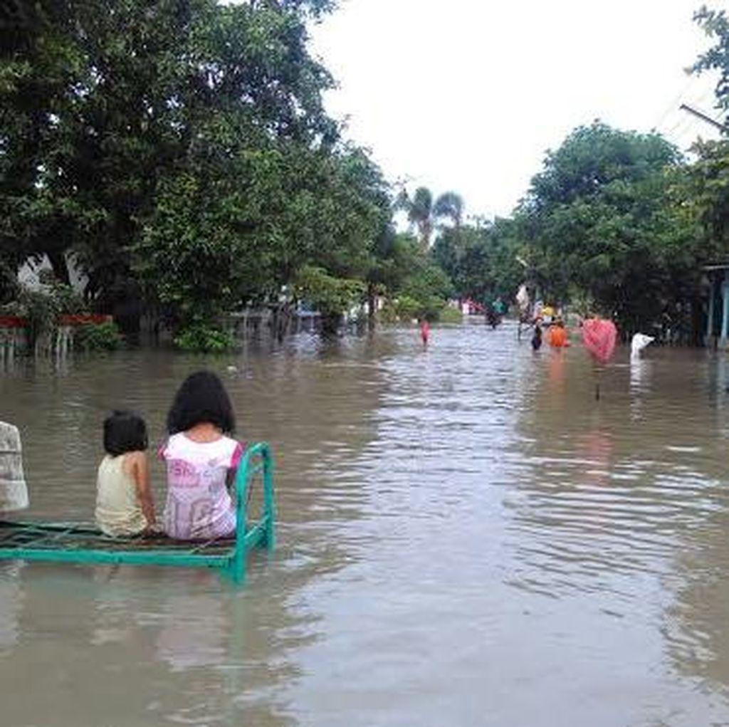 Banjir 1 Meter Rendam 250 Rumah di Jombang, Warga Enggan Mengungsi