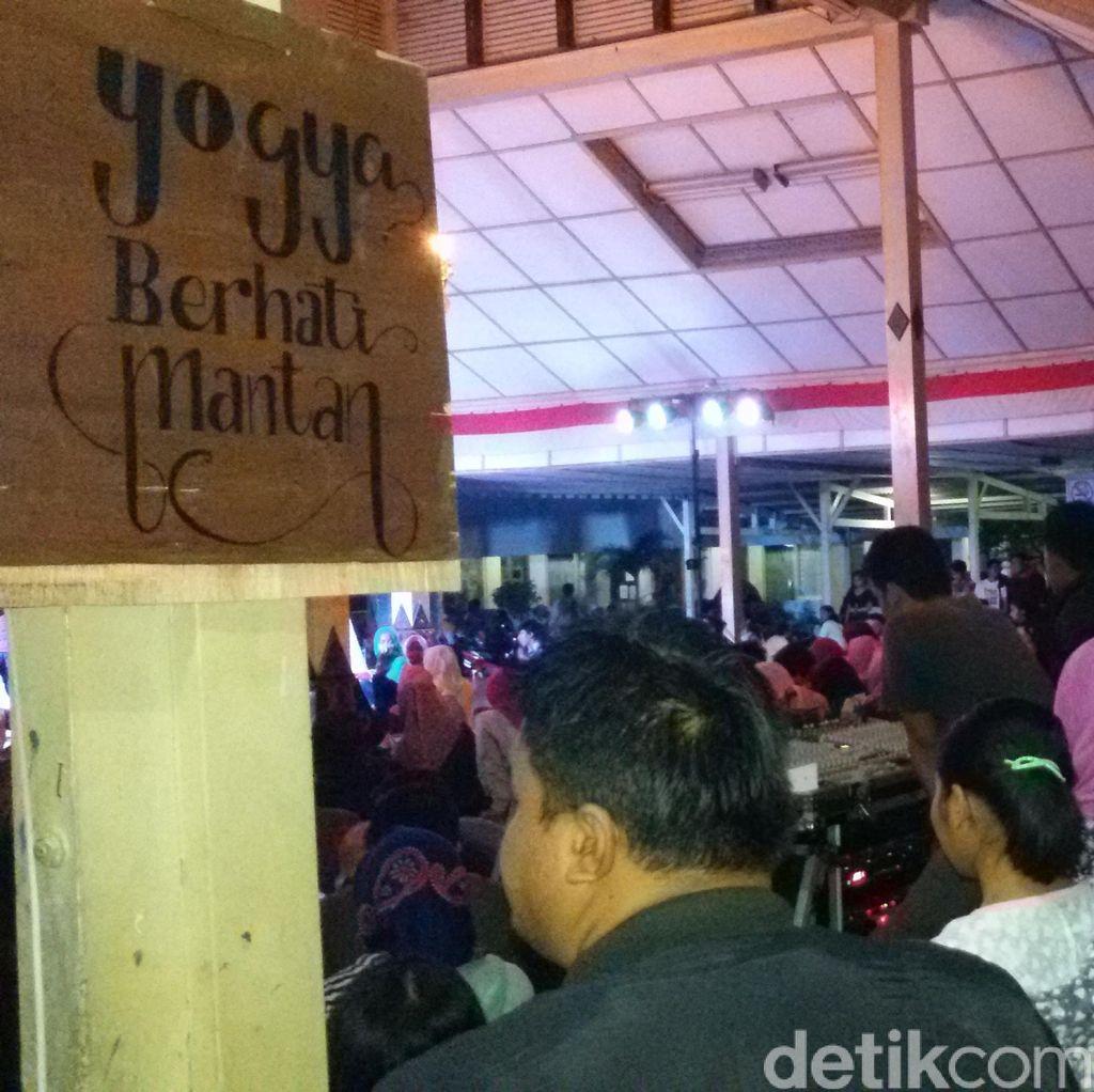 Jelang Valentine, Ratusan Anak Muda Yogya Serbu Festival Melupakan Mantan