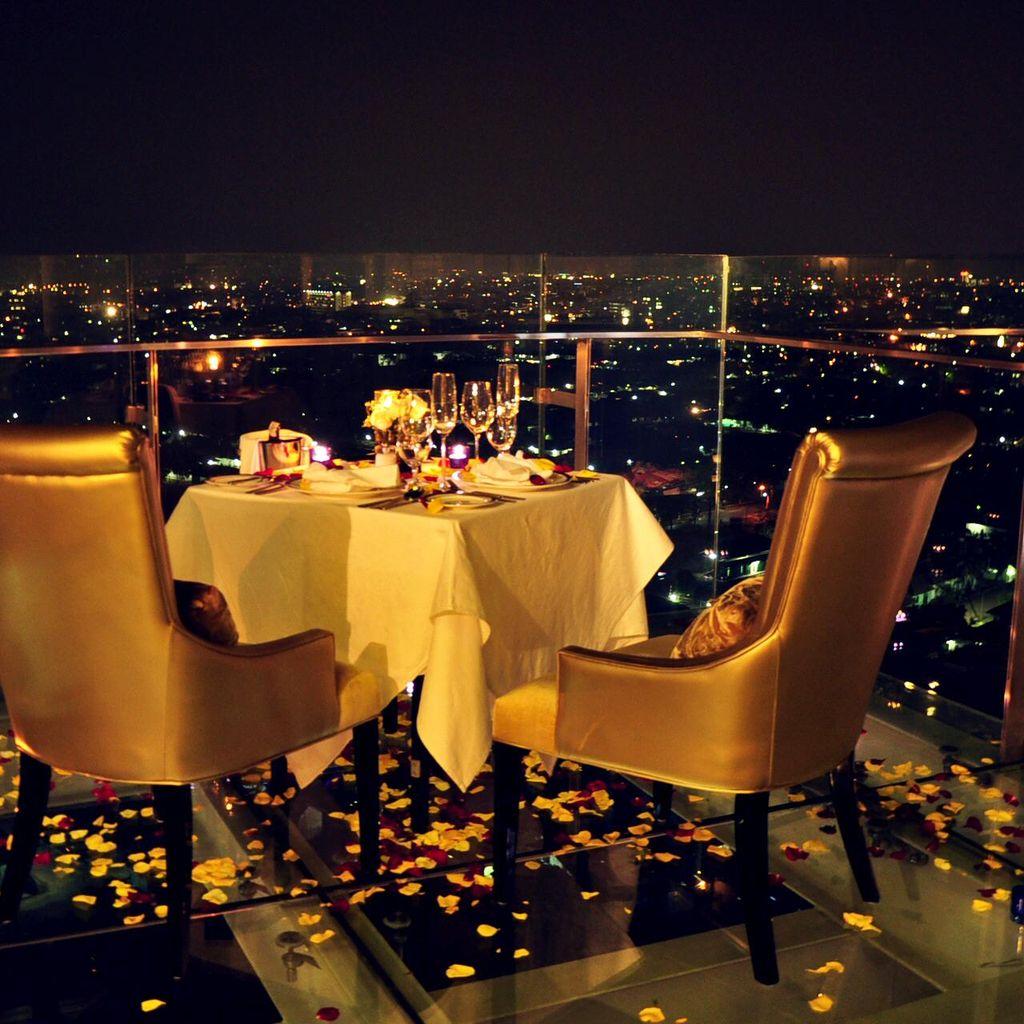 Rayakan Valentine Dari Ketinggian 80 Meter di Trans Luxury Hotel Bandung