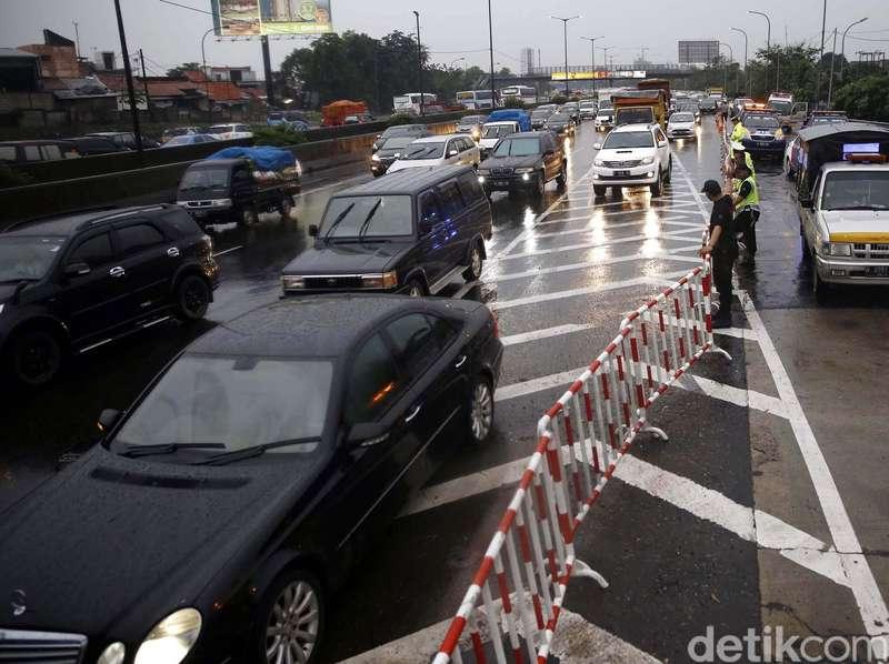 Enam Loket Gerbang Tol Cikunir 2 Sudah Dibuka Kembali
