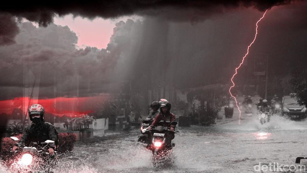 Jakarta Diguyur Hujan Deras, Genangan Air Mulai Muncul di Sejumlah Titik