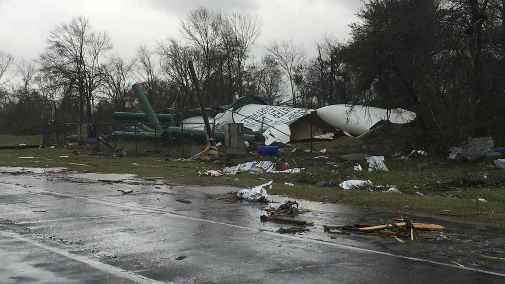 Tornado Terjang Amerika Serikat, 3 Orang Tewas