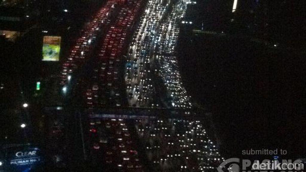 Tol Dalam Kota dari Bandara Soetta ke Cawang Terpantau Padat di Beberapa Titik