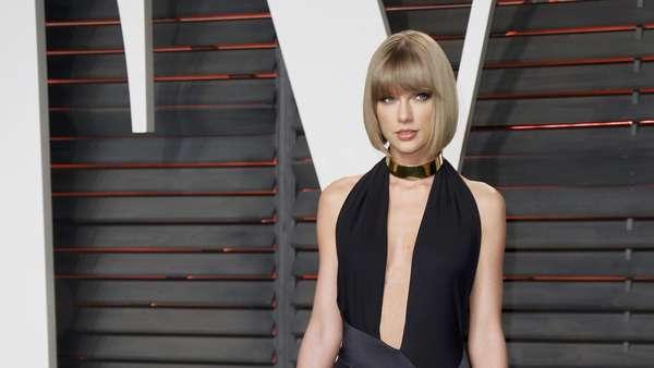 Taylor Swift Superseksi di Pesta Oscar Vanity Fair 2016