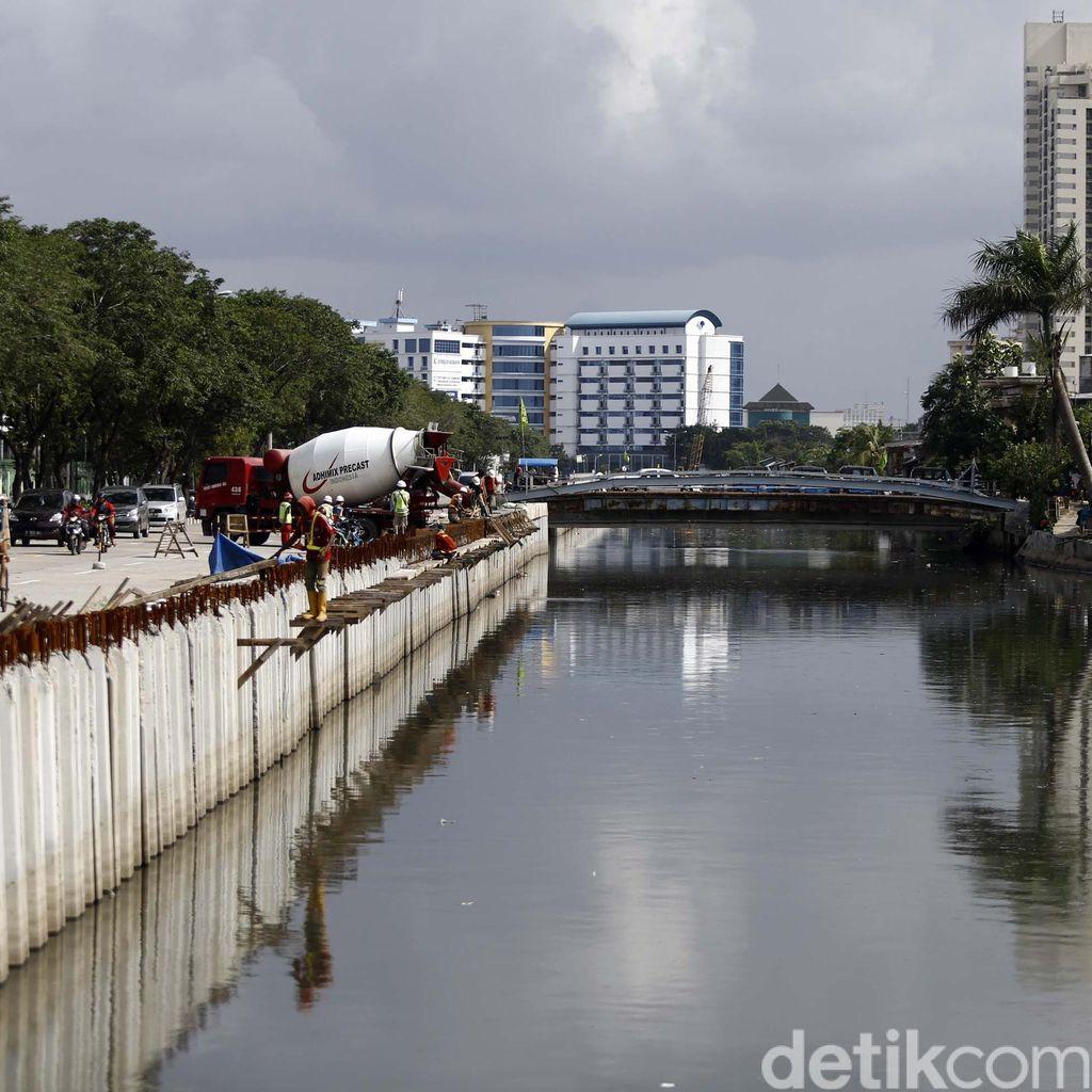 Pekerja Proyek Jembatan Tenggelam di Kali Sunter dan Belum Ditemukan