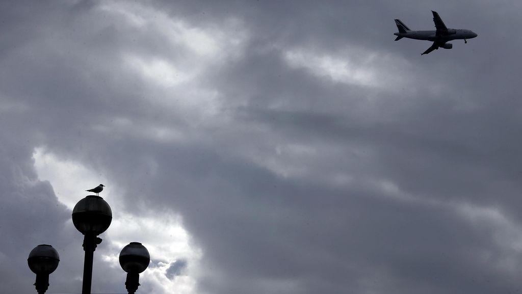 Serbu Kokpit Pilot, Penumpang Pesawat Maskapai Mesir Ditahan