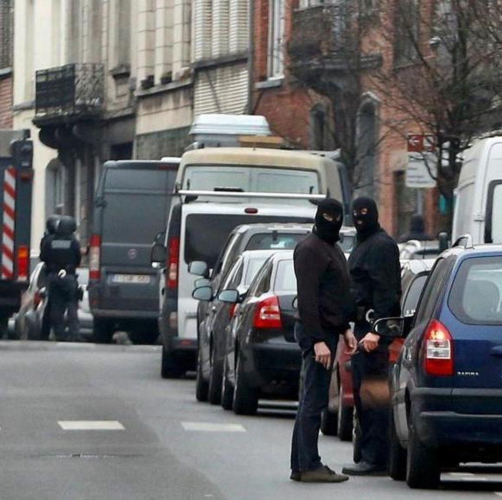 Prancis Tahan Anggota Kelompok Penyerang Teror Paris