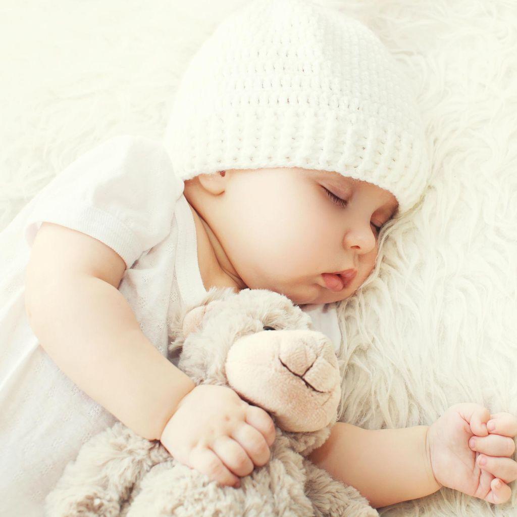 Beri Sesuatu Beraroma Tubuh Ibu Agar Bayi Lebih Mudah Tidur, Ampuhkah?