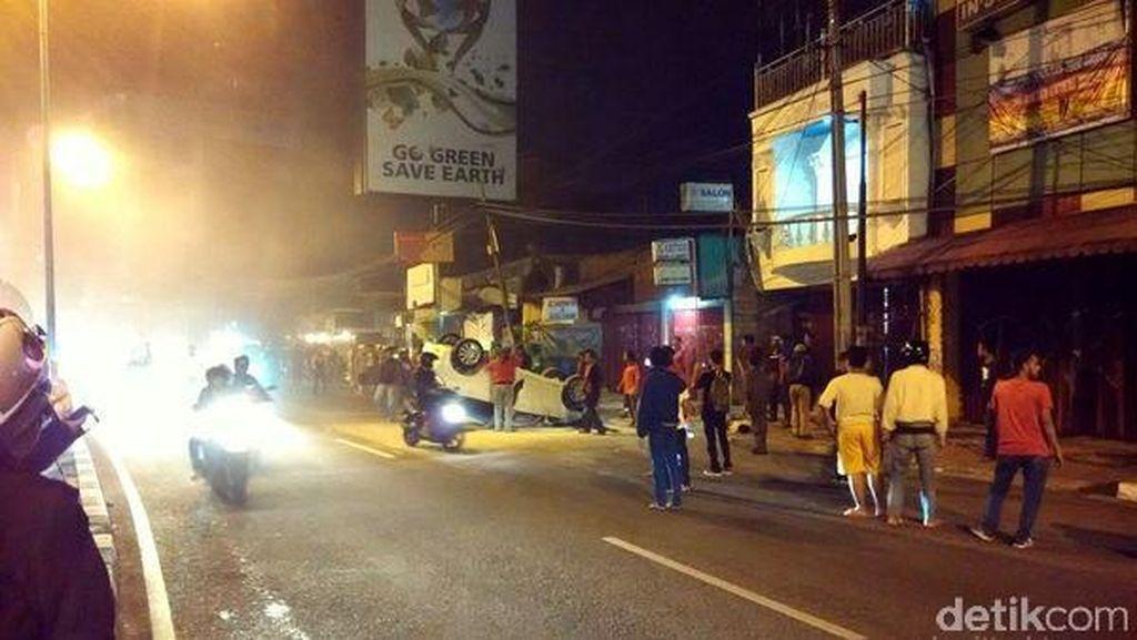 Honda Jazz Tabrak Pejalan Kaki di Tebet, Korban Tak Sadarkan Diri
