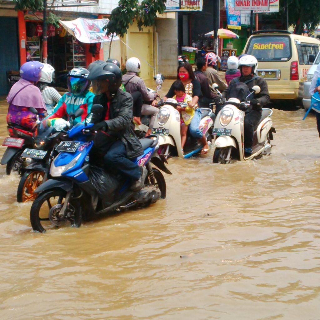 Banjir, Ribuan Warga Dayeuhkolot dan Baleendah Mengungsi