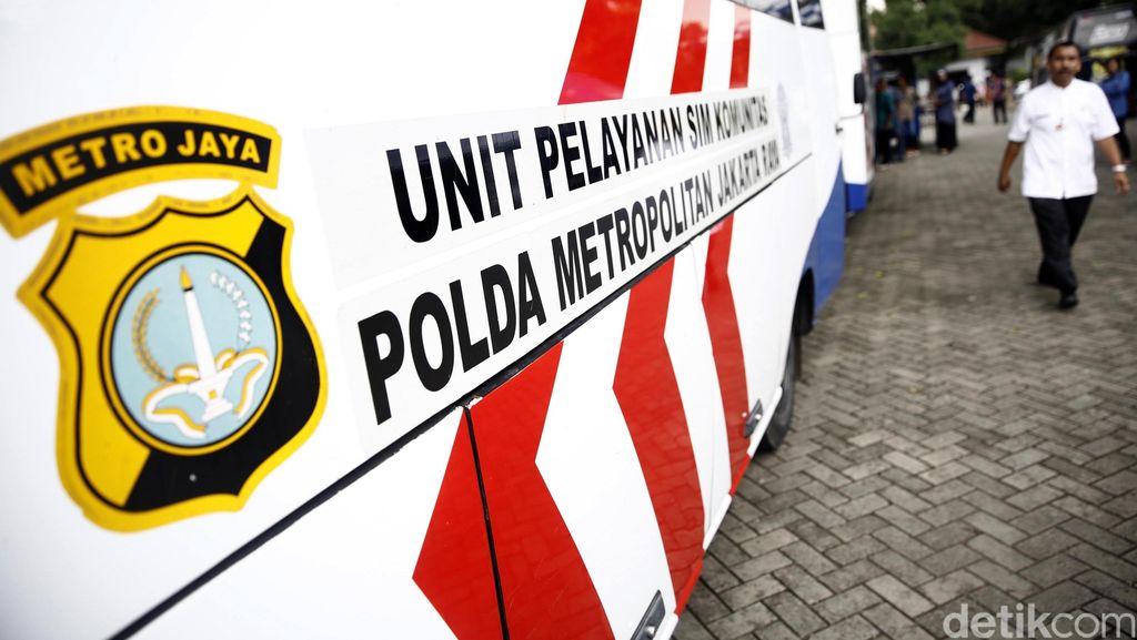 OTT Propam Polda Metro, 8 Polisi dan 4 Calo SIM Ditangkap Diduga Lakukan Pungli