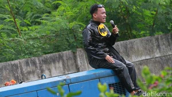 Demam Batman v Superman Raffi dan Ruben Onsu