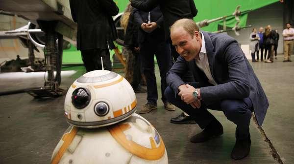 Duel Lightsaber Pangeran William dan Pangeran Harry