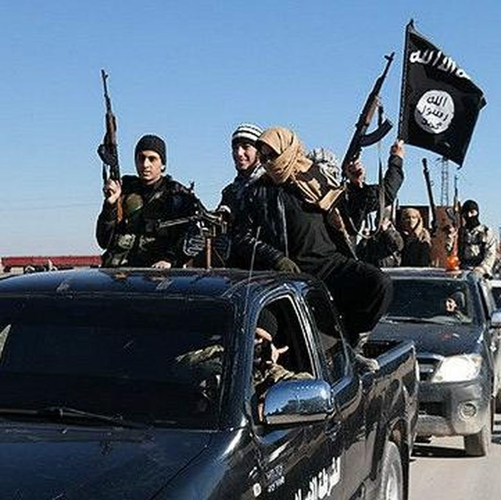 ISIS Dekati Perbatasan Turki, 100 Ribu Warga Suriah Terjebak