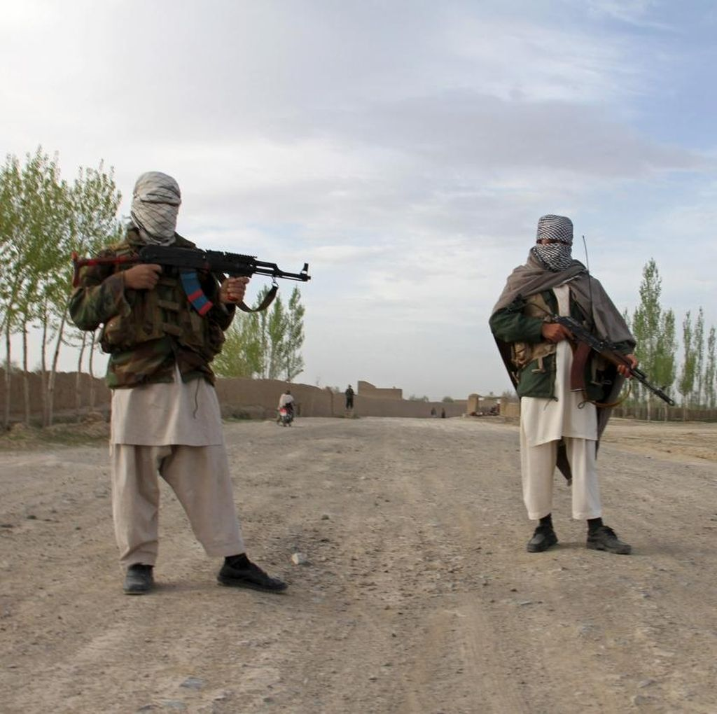 Taliban Bunuh 16 Penumpang Bus di Afghanistan, Culik Puluhan Lainnya