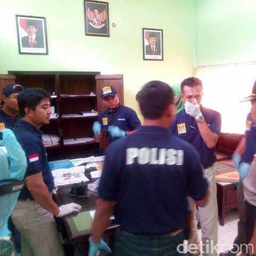 Diduga Rugikan Negara Rp 1 M, Kantor KONI Blitar Digeledah Polisi