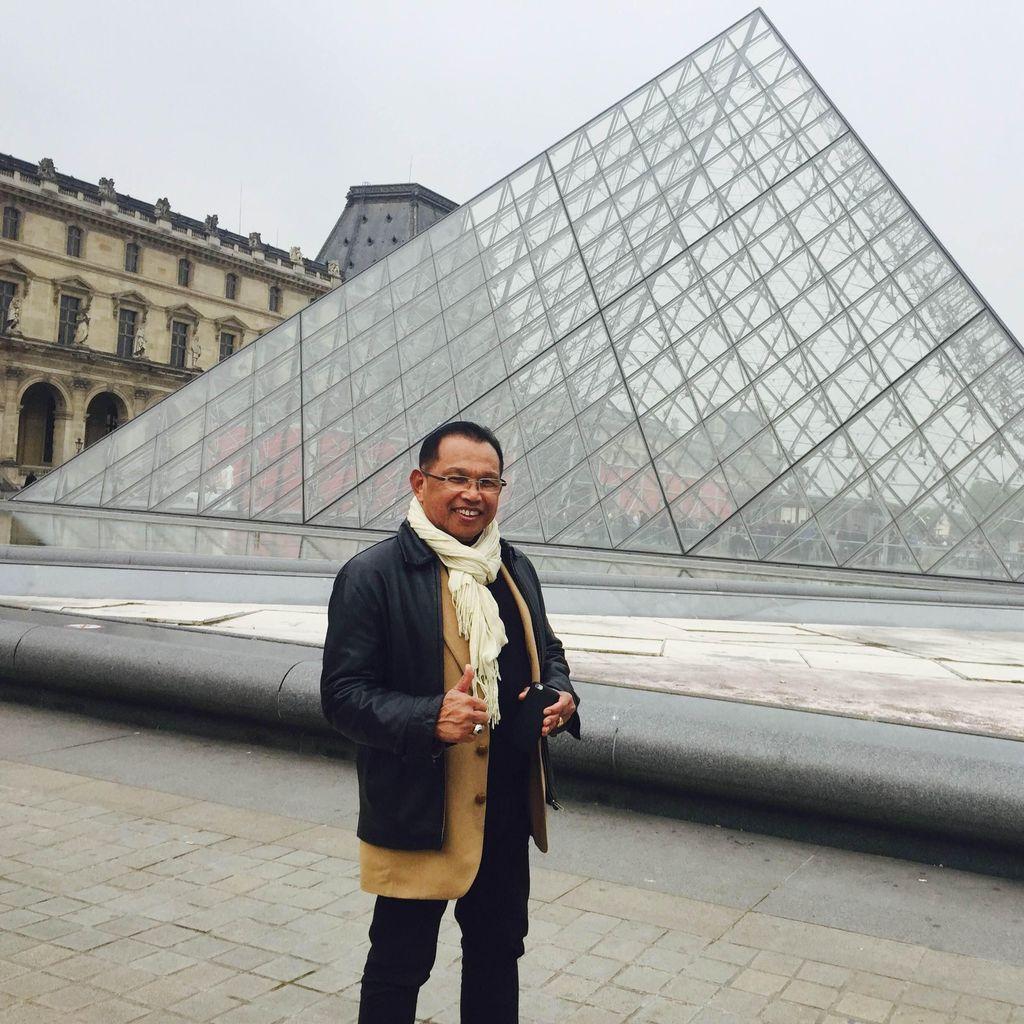 Alijullah, Lurah Paris yang Bermodal Mimpi dan Boarding Pass Bekas