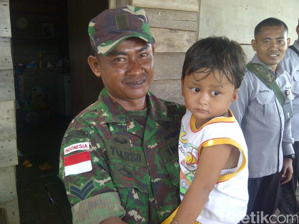 Kisah Kesungguhan Mengabdi Sertu Yuarsa di Mamugu, Papua