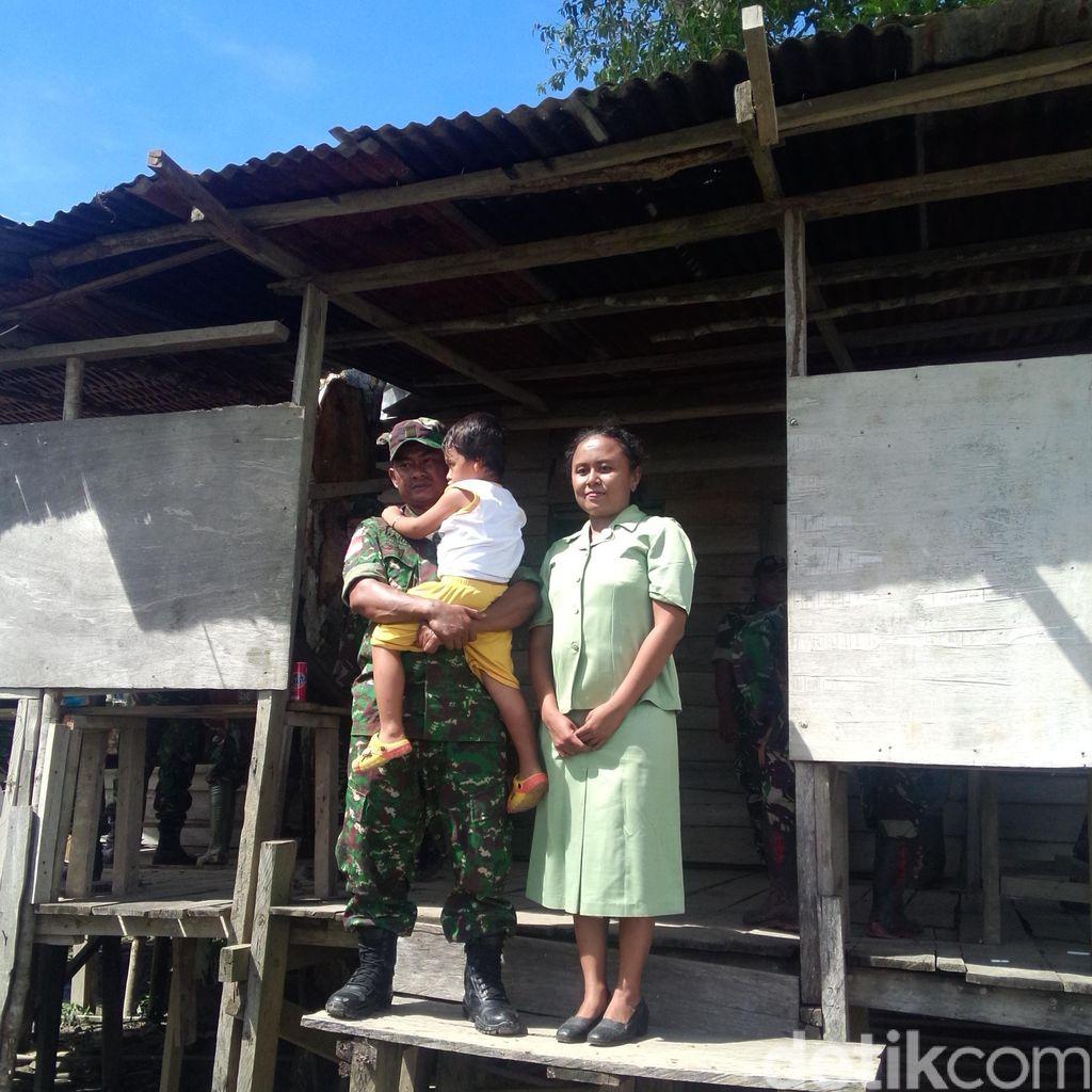 Cerita Anggota Babinsa Sertu Yuarso dan Istrinya Mengajar di Mamugu, Papua